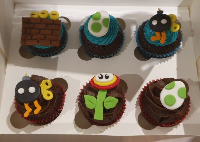 cute insect birthday party cupcakes 1
