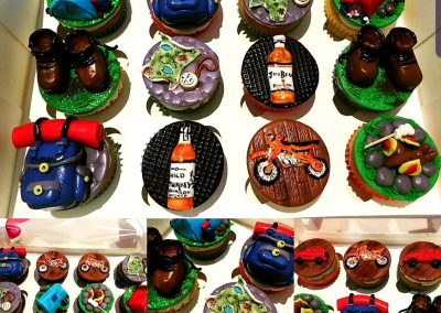 gorgeous TRAVELLING THEMED designer cupcakes 1