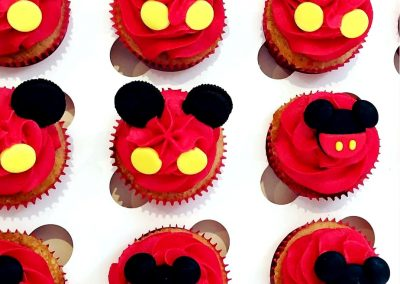 red bug cupcakes 1