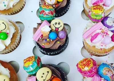 smiley KIDS cupcakes mixed 1